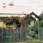 Elinike Guest Cottages